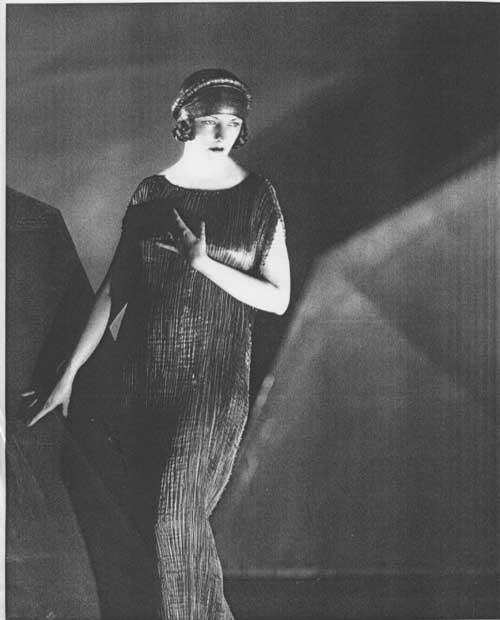 Noir dame in turban