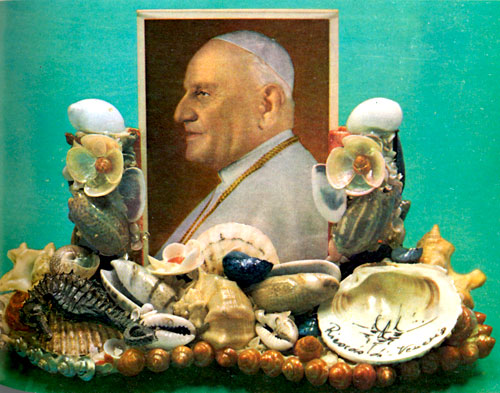 Seashell-encrusted Pope