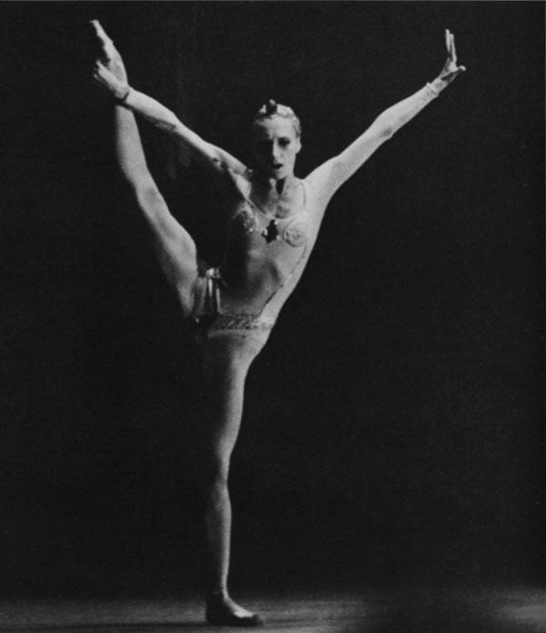 Alla Osipenko dances Cleopatra