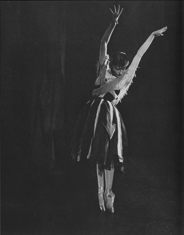 """Zizi Jeanmaire in Petit's """"Carmen"""" Scene I"""